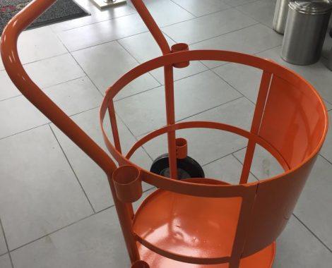 carro de basuras en hierro