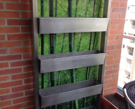 pieza en acero para sembrar pequeñas plantas