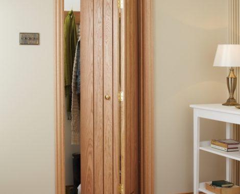 puerta plegable en madera