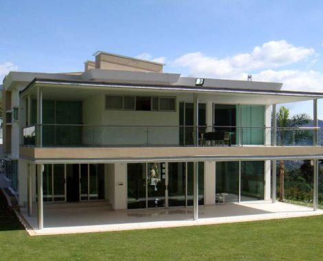 Casa moderna de vidrio